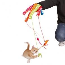 Jucărie pentru pisici - mănuși cu șoarece.